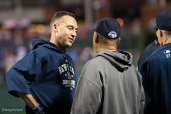 Derek-Jeter-2009-World-Series-with-Reggi_jackson