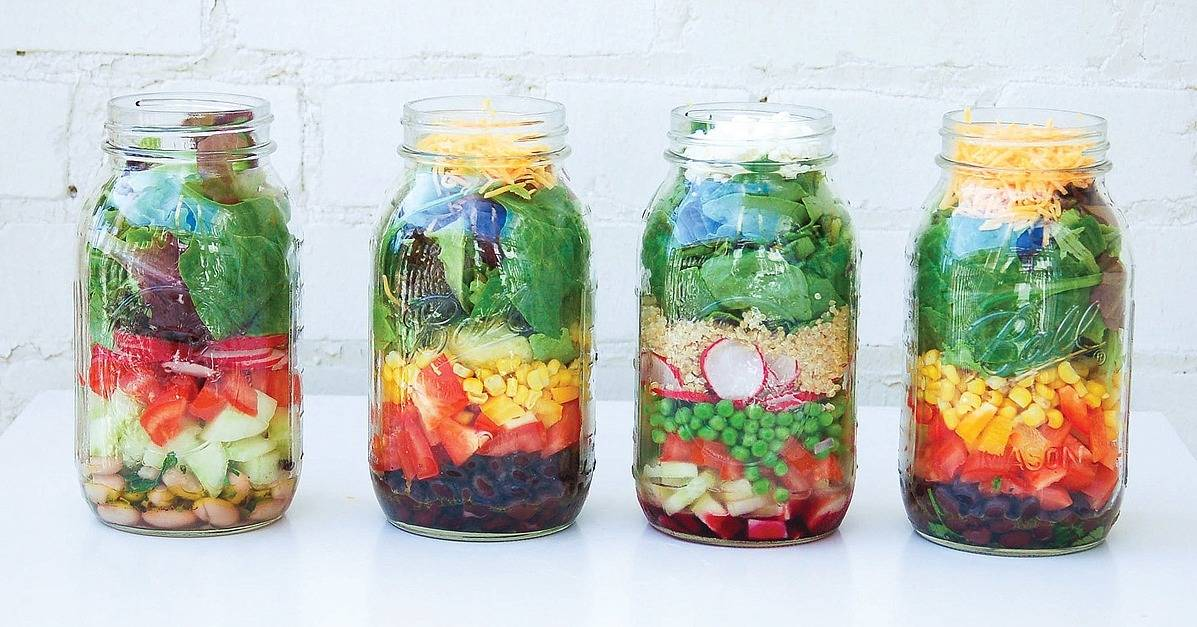 Living Simple Ideas: Make Mason Jar Salad For a Quick, Healthy Meal