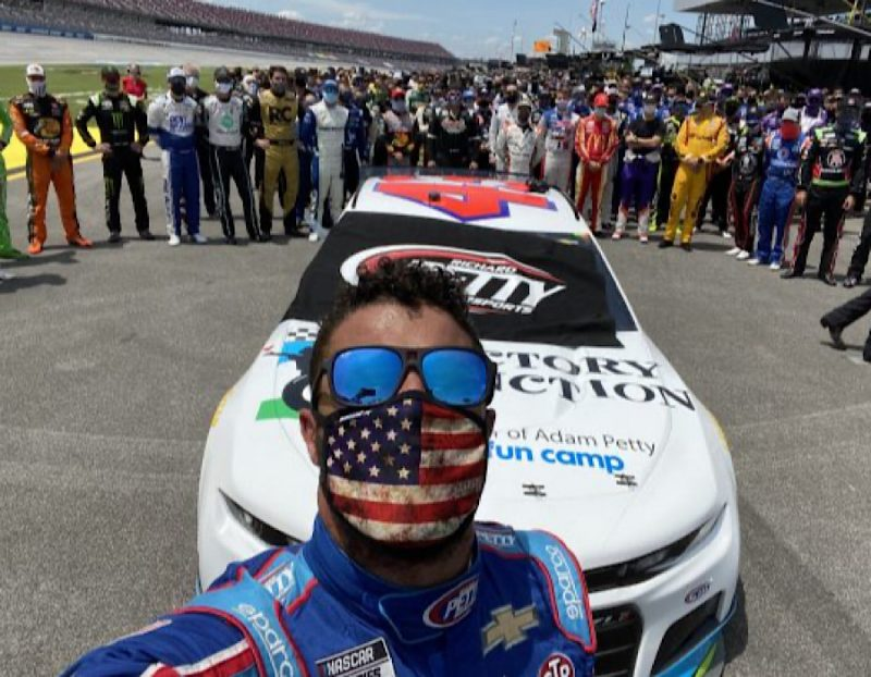 Photo of Did NASCAR End Up Looking Even More Racist While Trying To Show They Aren't Racist?