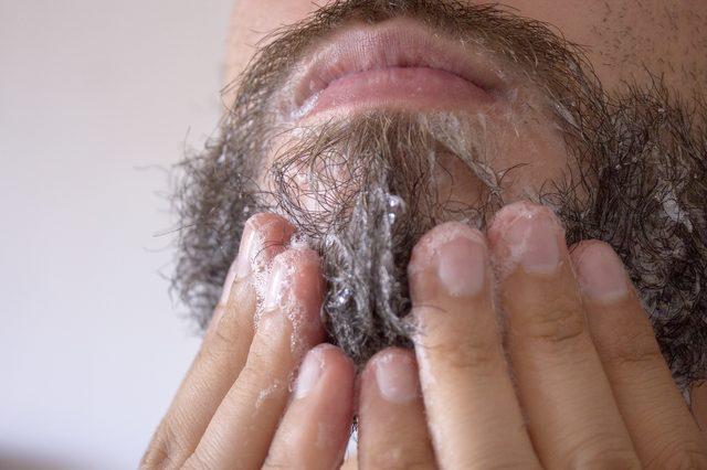 washing-your-beard