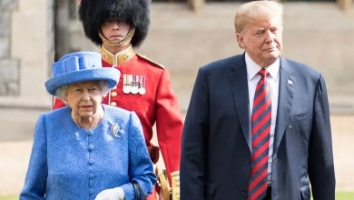 Photo of Ratu Elizabeth 'Sindir' Trump Dengan Kerongsang?