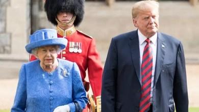Photo of Ratu Elizabeth 'Sindir' Trump Dengan Kerongsang?