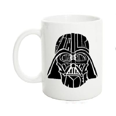 Mug Tallado Darth Vader TooGEEK Star Wars Casco Fondo Blanco