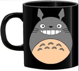 Mug Tallado Totoro TooGEEK Studio Ghibli Anime Sonriendo