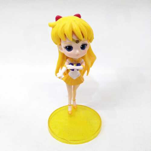 "Figura Sailor Venus Q Posket Sailor Moon Anime Base Amarilla 4"" (Copia)"