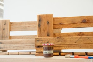 Holzoberfläche behandeln