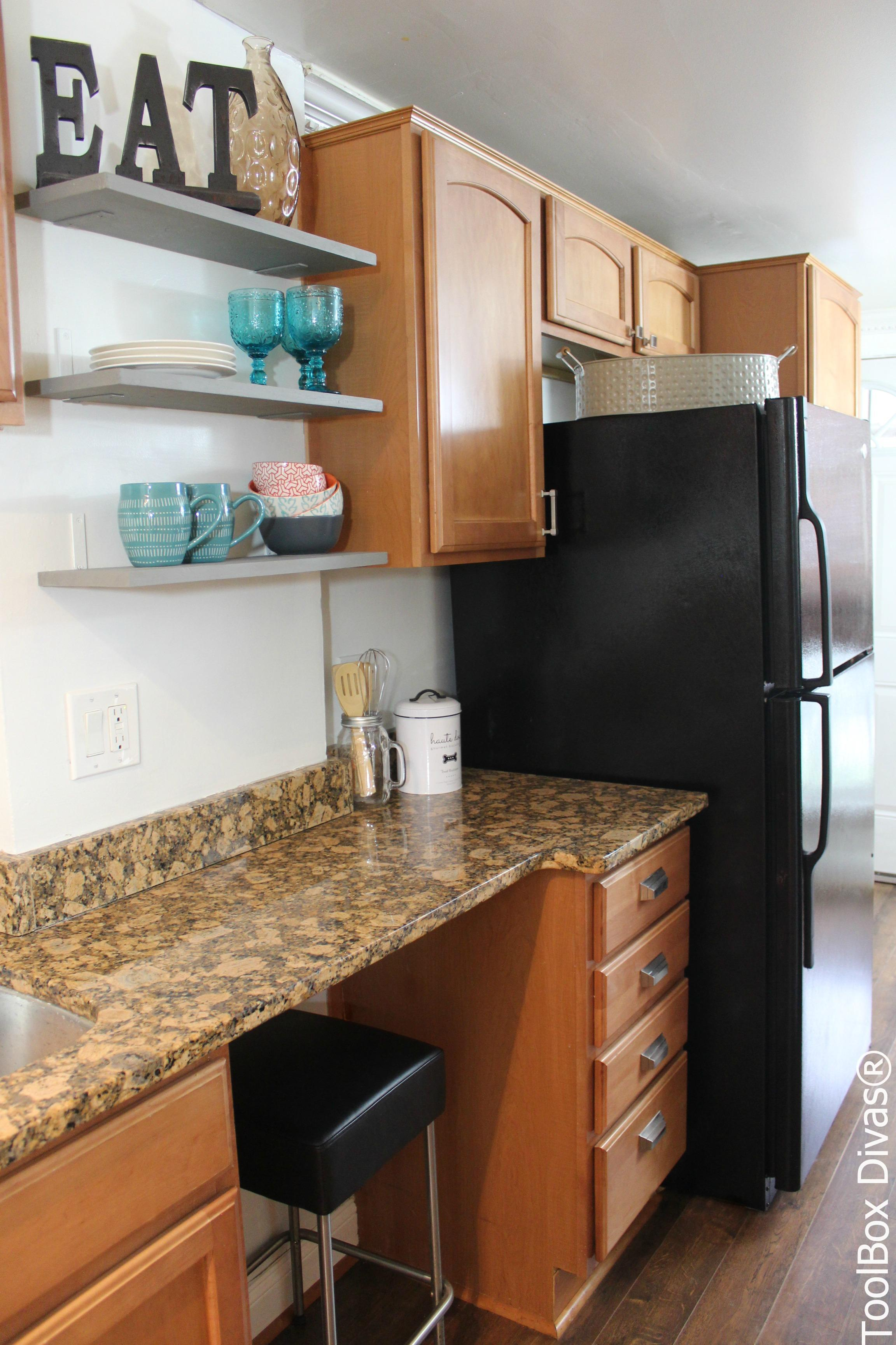 #Kitchenupdate #DIY #LibertyHardware #Homedepot @Homedepot @Toolboxdivas #Kitchen #Hardware #Kitchencabinets #Ad