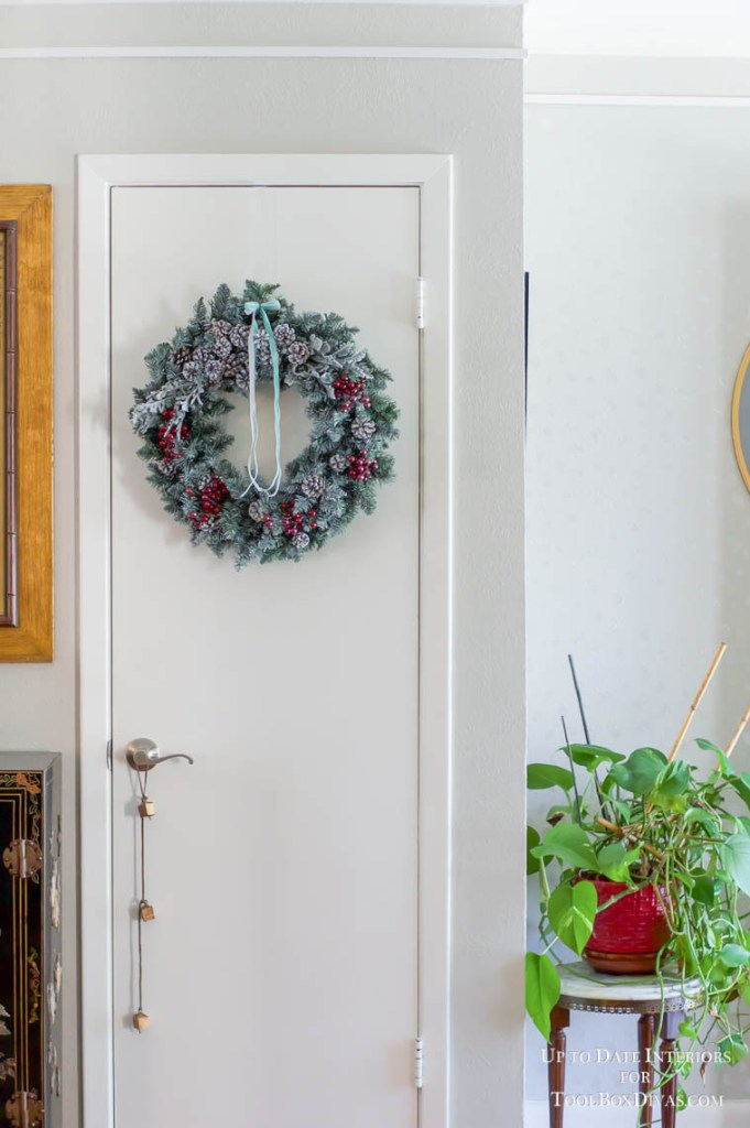 Winter Wreath recycle Christmas into the Winter Decorations @ToolBoxDivas
