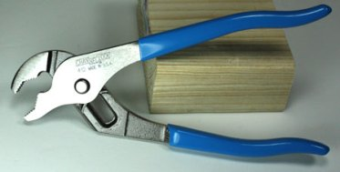 Channellock-412-V-Jaw-Pliers-Displayed