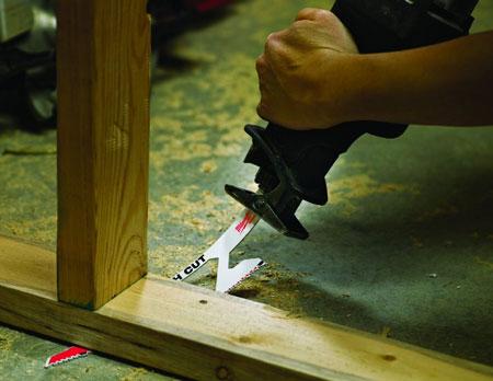 Milwaukee Flush-Cutting Sawzall Blade Flexing