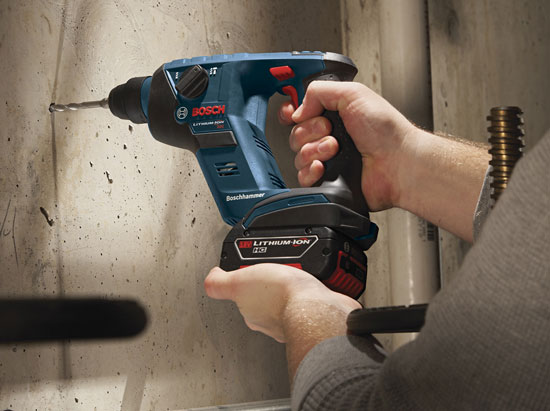 bosch-rhs181-compact-rotary-hammer-hand-scale