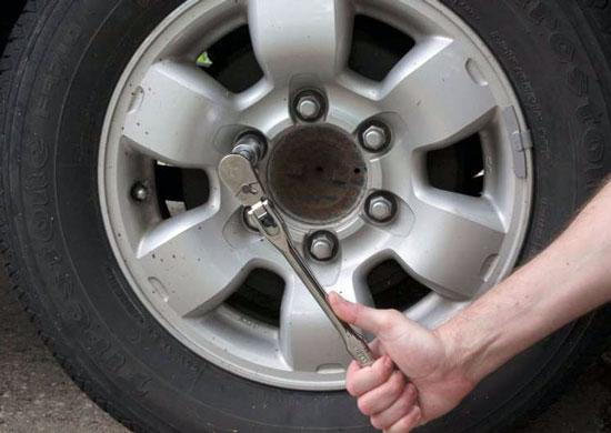 Amstrong Locking Flex Head Ratchet Wheel Lug Use -6
