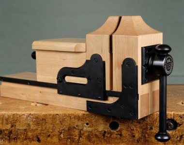 Benchcrafted Carver's Vise