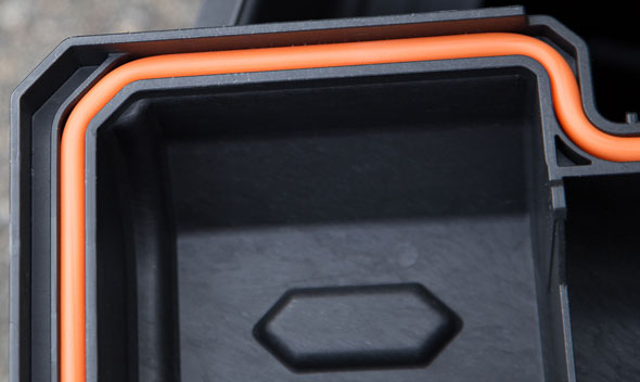 Ridgid Pro Tool Box Cart Sealed Edge
