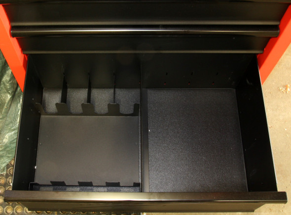 Milwaukee 30 inch storage combo large bottom drawer
