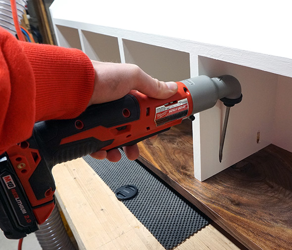 using-a-right-angle-impact-driver-to-sink-a-pocket-screw
