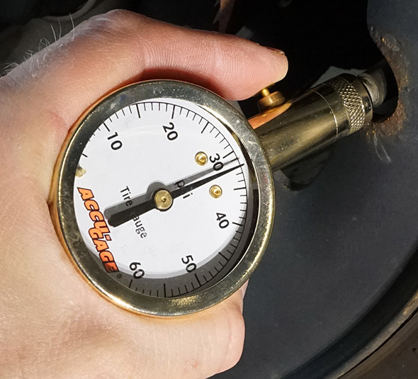 Accu-Gage Dial Tire Gauge
