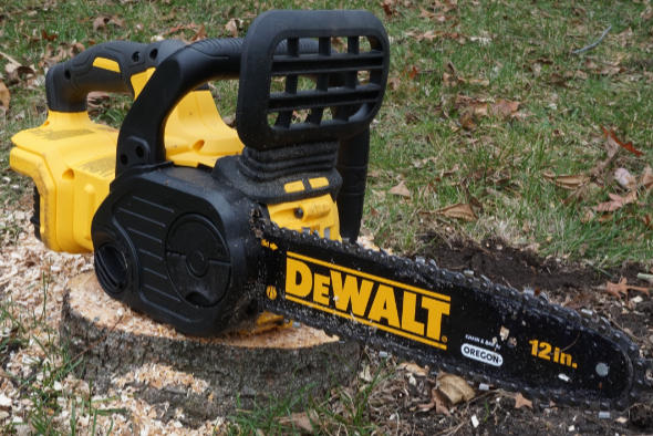 Dewalt 20V Max Cordless Chainsaw in the wild