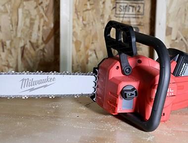 Milwaukee M18 Fuel Brushless Chainsaw