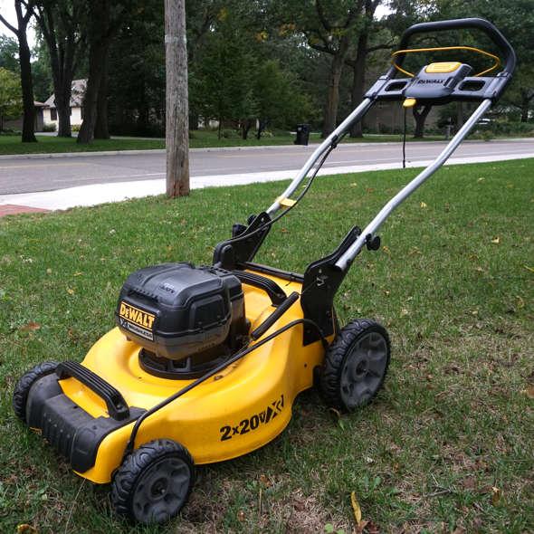 Dewalt 2x20V Brushless Push Lawn Mower Hero