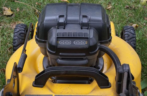 Dewalt 2x20V mower battery meters