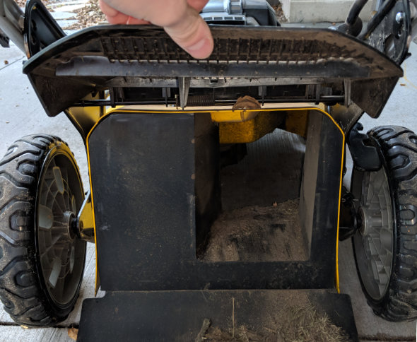 Dewalt 2x20V mower without mulching plug