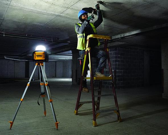 Dewalt DCL074 Cordless LED Area Light on Optional Tripod