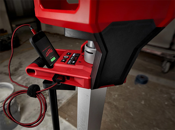 Milwaukee 2136-21 M18 Rocket Tower Light Charger Phone Charging Port