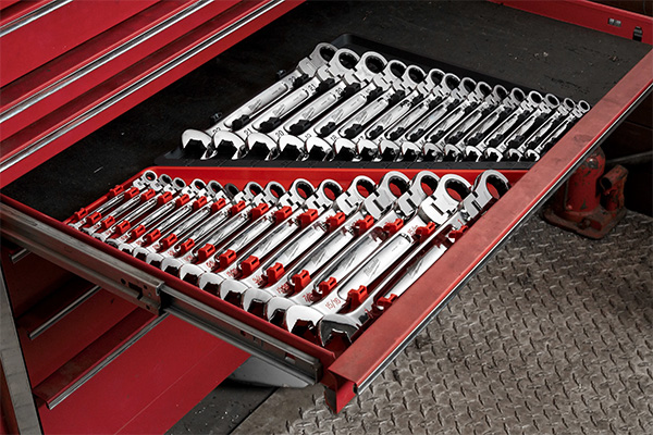 Milwaukee Flex-Head Ratcheting Wrench Sets in Tool Box Drawer