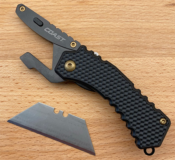 Coast DX126 EDC Utility Knife Blade Change