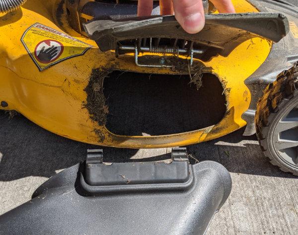 Dewalt 2x20V Push Mower Side Discharge Chute