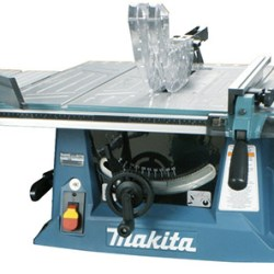 MAKITA MLT100 Table Saw with Blade