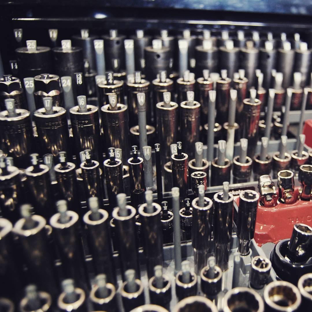 a ver esos juegos de - A ver esos juegos de llaves completos! #tools4us #herramientas #herramientastaller #stand #rad #mad #workhard #wow #caferacer #workshop #racing #tools4usracingteam