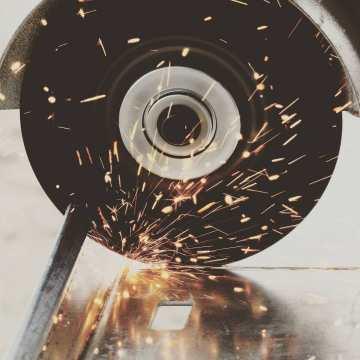 Buen lunes para todos! Encuentra el catalogo completo de #consumibles de #ferretería en nuestra web! Discos de corte, lijas, puntas de fresado, discos de pulir, brocas y mucho más. #taller #carpinteria #madera #metal #obra #workhard #