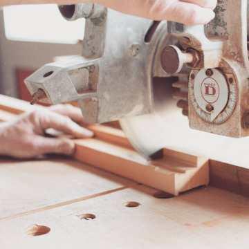 Buscas discos de corte? En nuestra web descarga catálogos completos de consumibles de ferretería #leman #dewalt #makita #bosch #metabo y más! #carpinteria #herreria #taller #trabajo #trabajobarcelona #tallerbarcelona #obra #contrata #dragados
