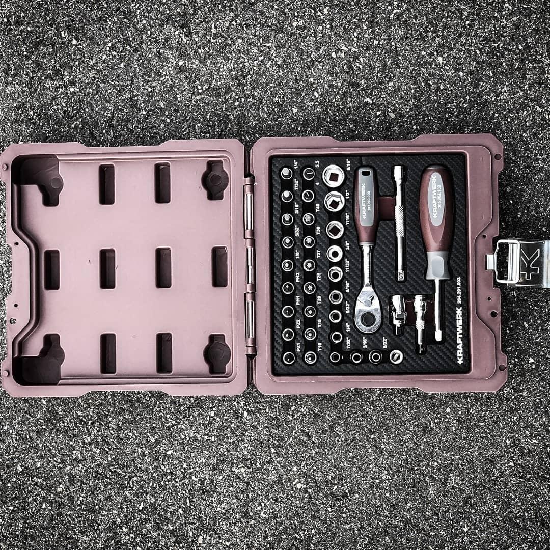 150965377 162795002171237 7904869425617469000 n - También estamos preparando las ofertas en estuches de herramienta específica. A ser pacientes!  @kraftwerktools• • • • • •#kraftwerktools #tools #socket #socketset #wrench #screwdriver #handtools #toolcase #steckschlüssel #steckschlüselsatz #schraubenzieher #werkzeug #werkstatt #arbeit #work #fun #grey #red #burgundy #herramientasprofesionales #herramientas #herramientastaller #mobiliariotaller #muebledetaller #carroherramientas