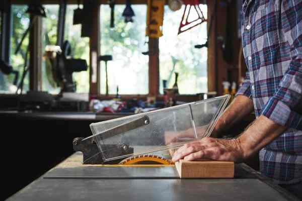 How To Use A Table Saw Safely Feature Image
