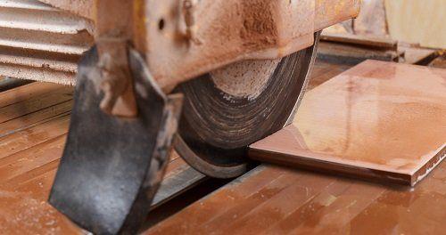 machine cutting ceramic tile