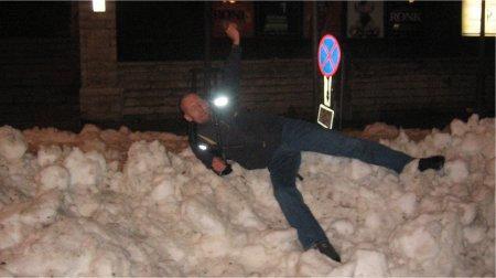 Aarne püherdab lumes