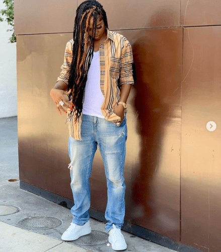 Angry Thugs Try To Forcefully Collect Money From Tiwa Savage In Obalende, Lagos || Watch Video