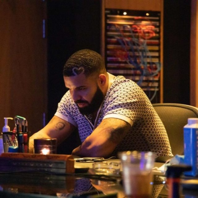 Drake Wins Artiste Of The Decade At The 2021 Billboard Music Awards 1