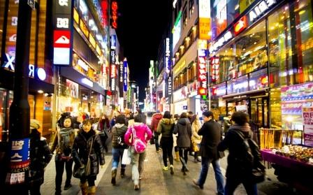 Belanja telah menjadi hiburan favorit di kalangan kaum muda