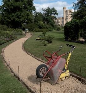Wegebauarbeiten im Pleasureground am Schloss Babelsberg