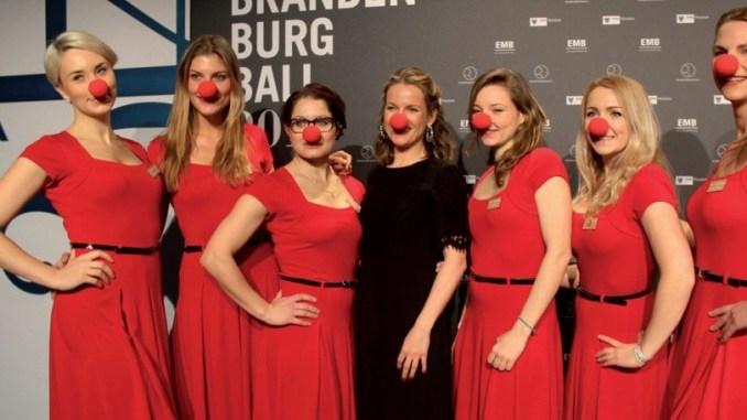 Rote Nasen, schöne Kleider und viel Prominenz - Top Magazin Brandenburg