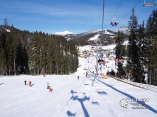 Тур в Карпати зимою та катання на лижах в Буковелі