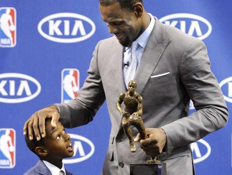 NBA TOP 25 - LeBron jr