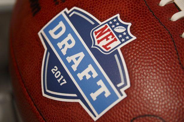2017 Mock NFL Draft: Top 10 Picks