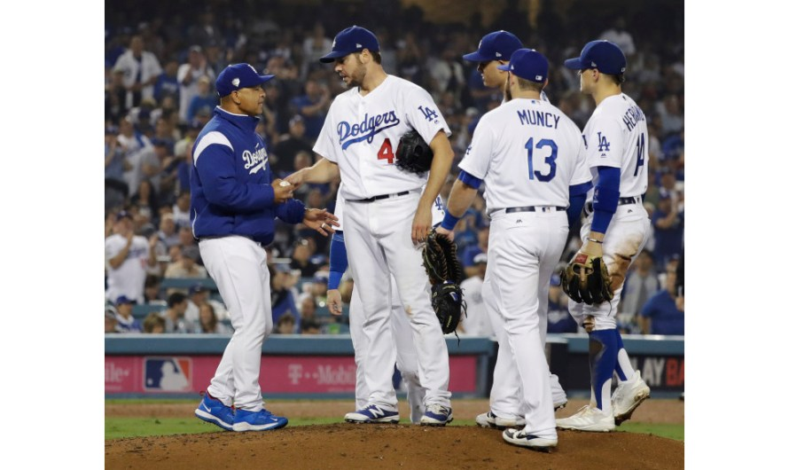 Top 10 MLB Bust: Manager Dave Roberts