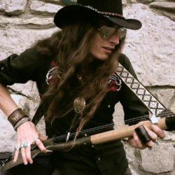 "Justin Johnson | ""Ace Of Spades"" cover on shovel guitar (Motörhead)"