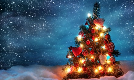 Top 10 Best Artificial Christmas Trees of 2017